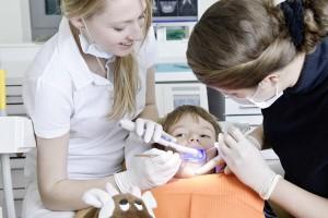Zahnbehandlung von Kindern
